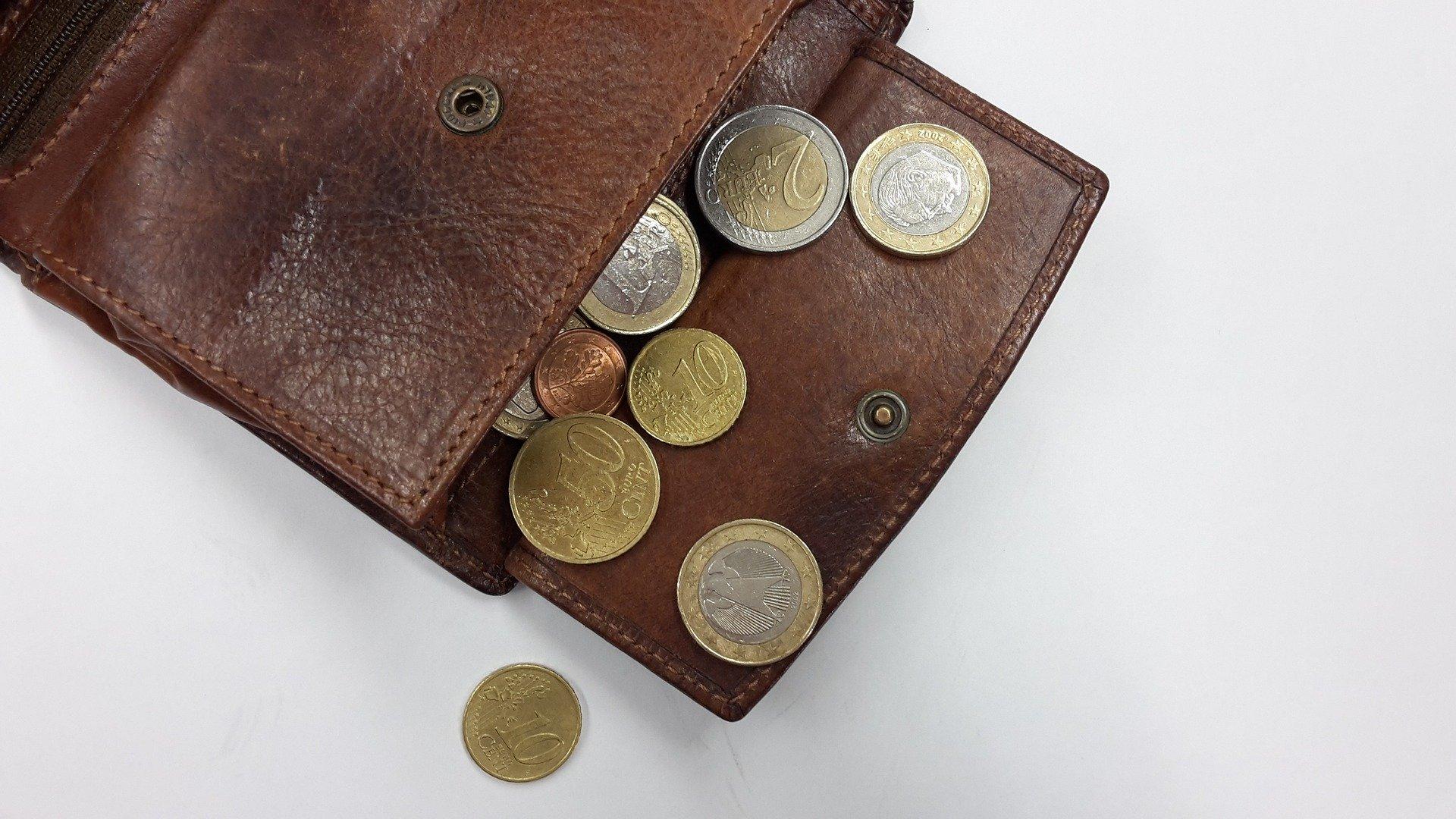 Trinkgeld geben, wann gibt man trinkgeld, wieviel trinkgel gehört sich, wo gibt man trinkgeld, Bezahlen,